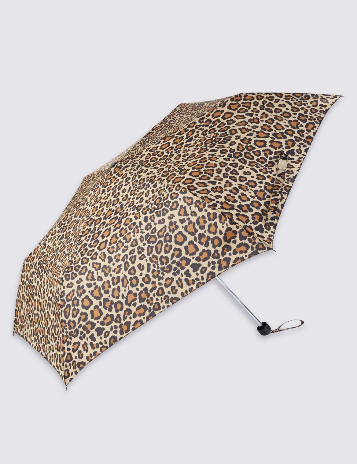 Parapluie compact à imprimé léopard, doté de la technologie Stormwear™
