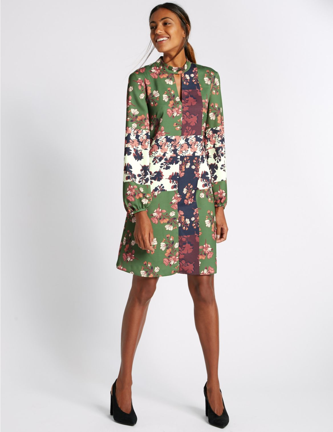 Wijd uitlopende jurk met patchwork