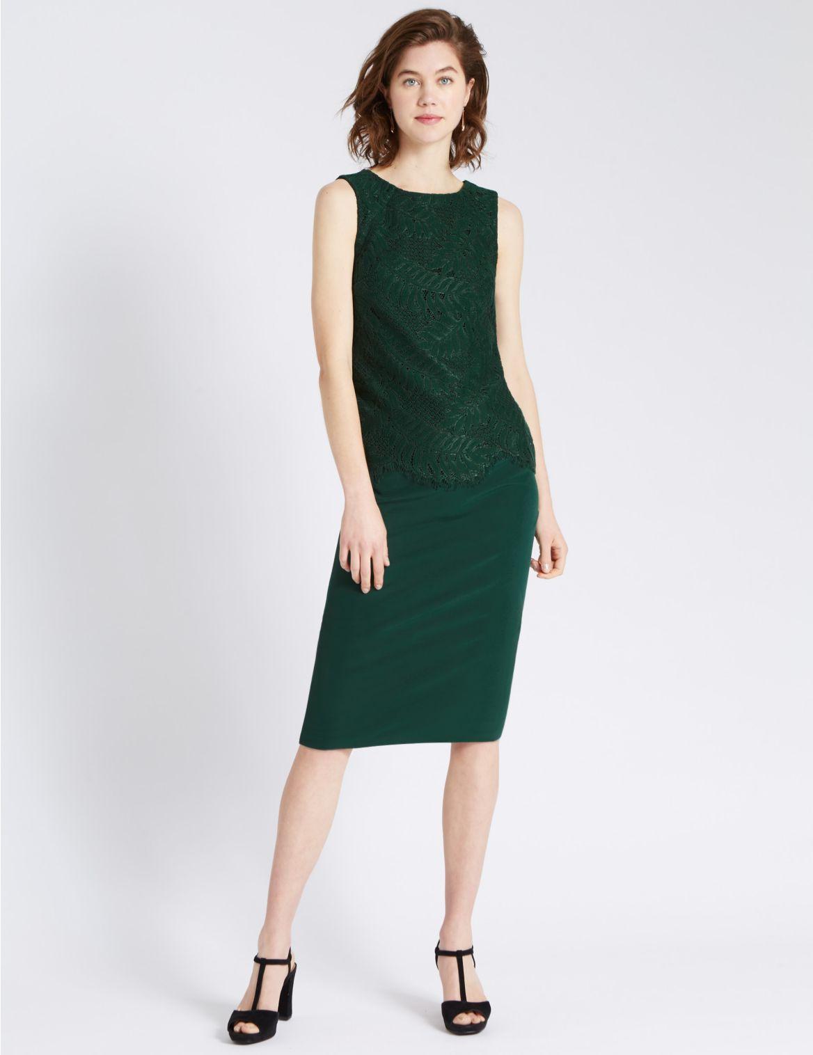 Dubbellaagse rechte jurk met kant