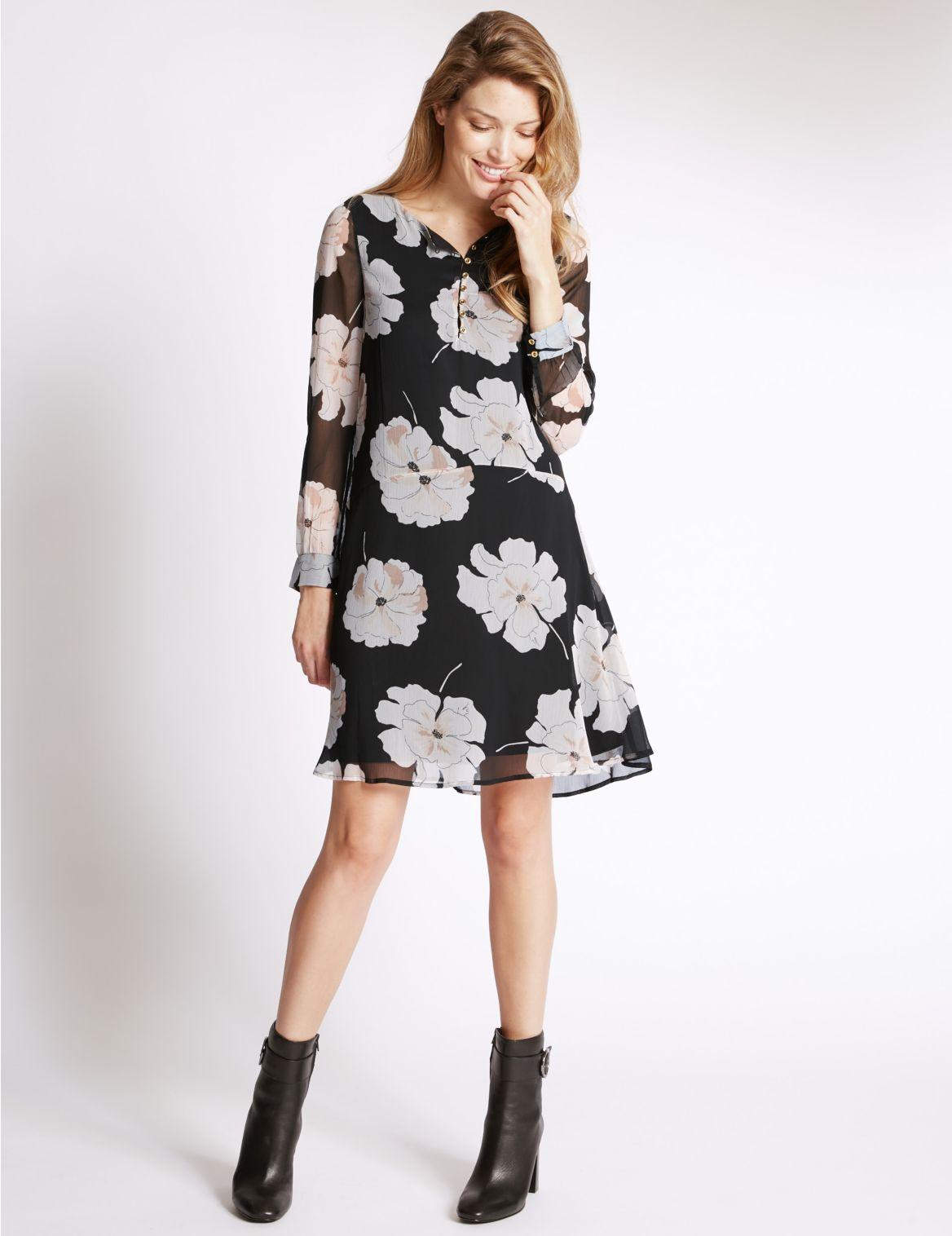 Rechte jurk met lage ronde hals en