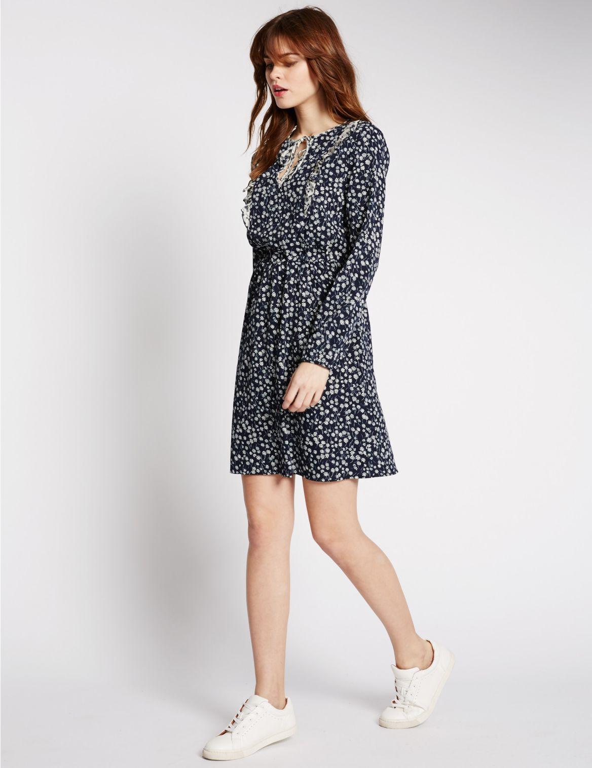 Wijd uitlopende jurk met lange