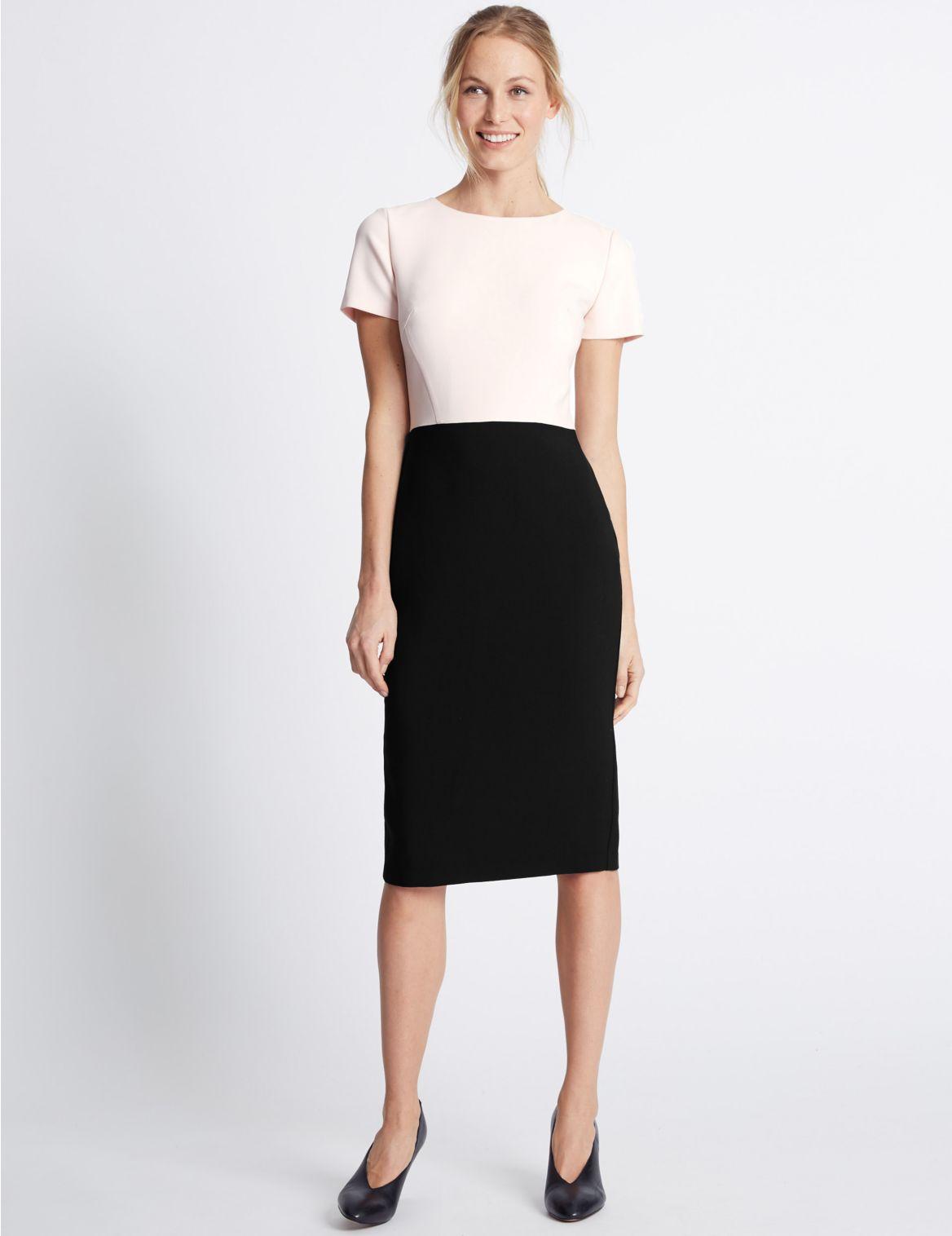 Gevoerde rechte jurk met korte