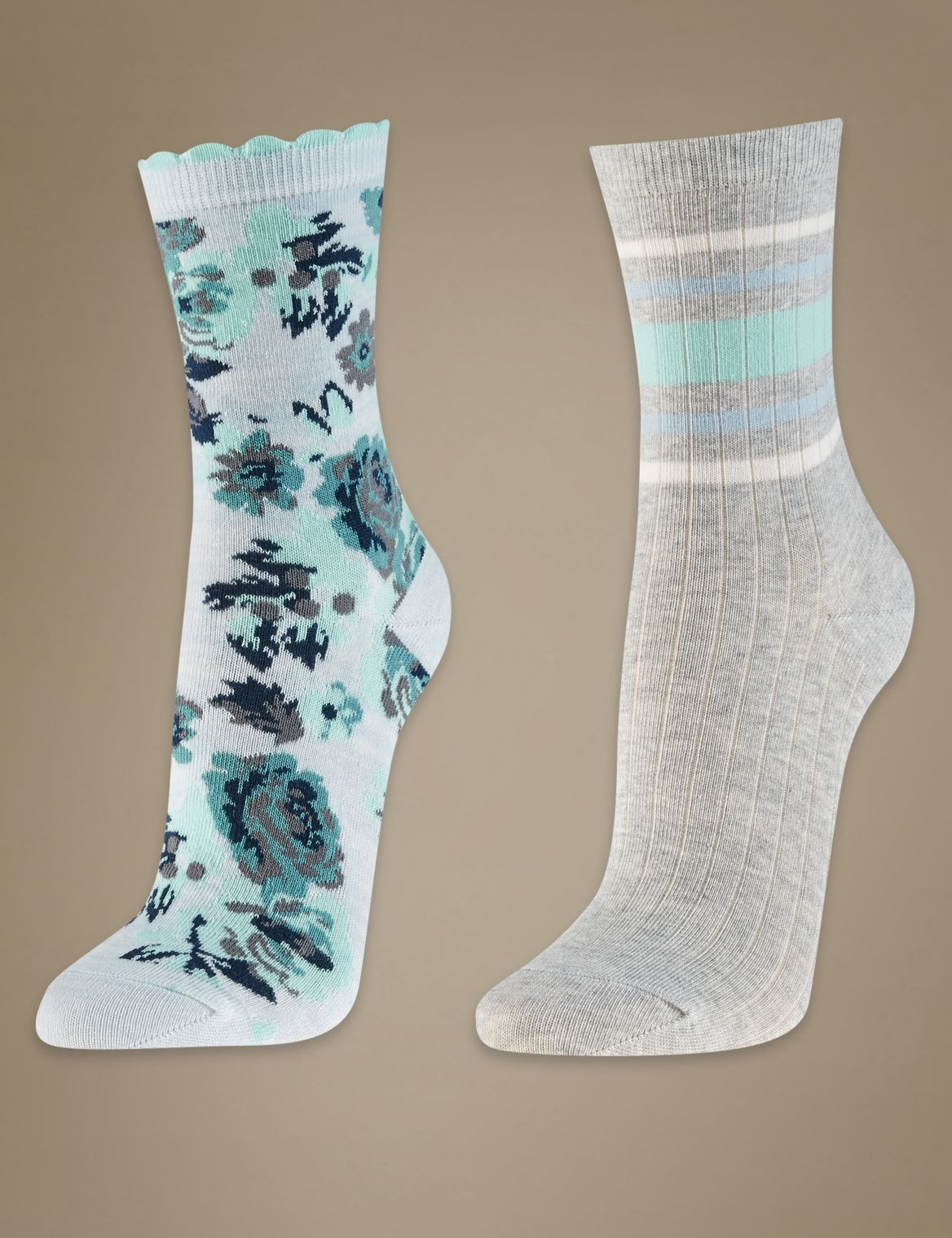 2 Pair Pack Ankle High Floral Socks light blue mix