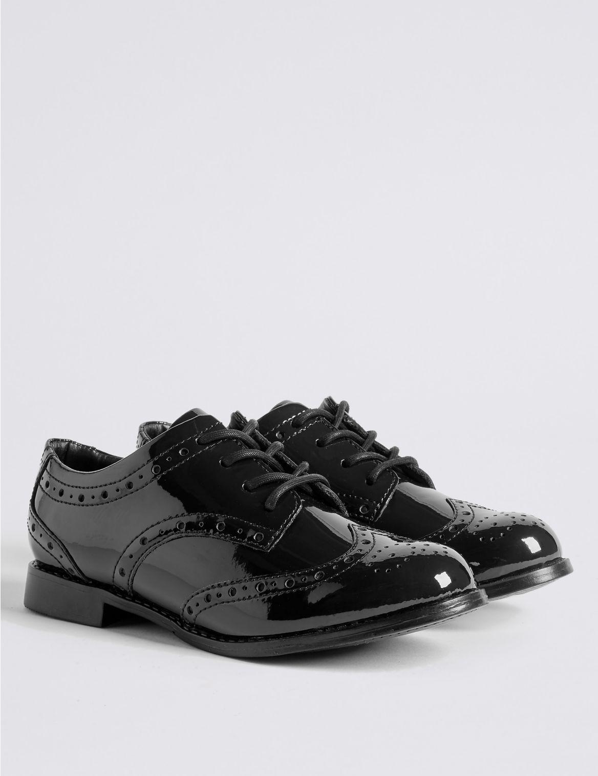 """Chaussures enfants en cuir enduit Freshfeetâ""""? anti-??raflures dot??es de la technologie Insolia FlexÂ?, id??ales pour l'??cole. StyleForm"""