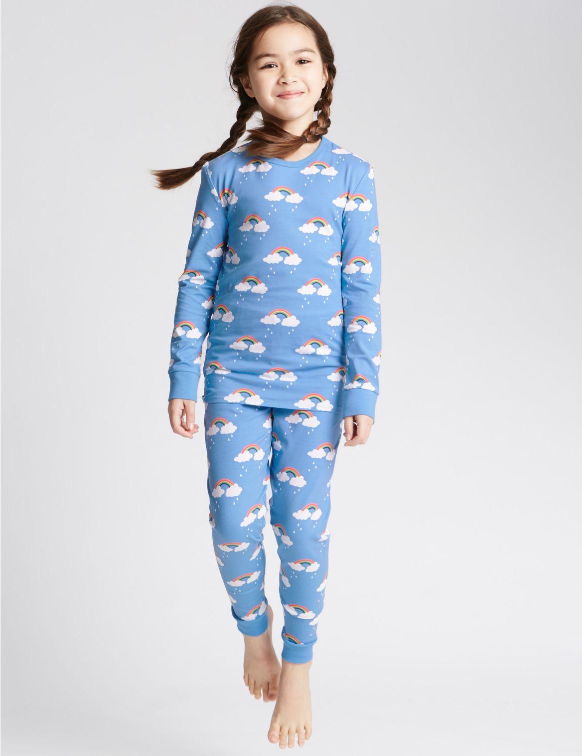 Pyjama met regenboog en wolkmotief