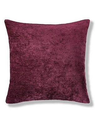 La Perla Cushion, PLUM, catlanding