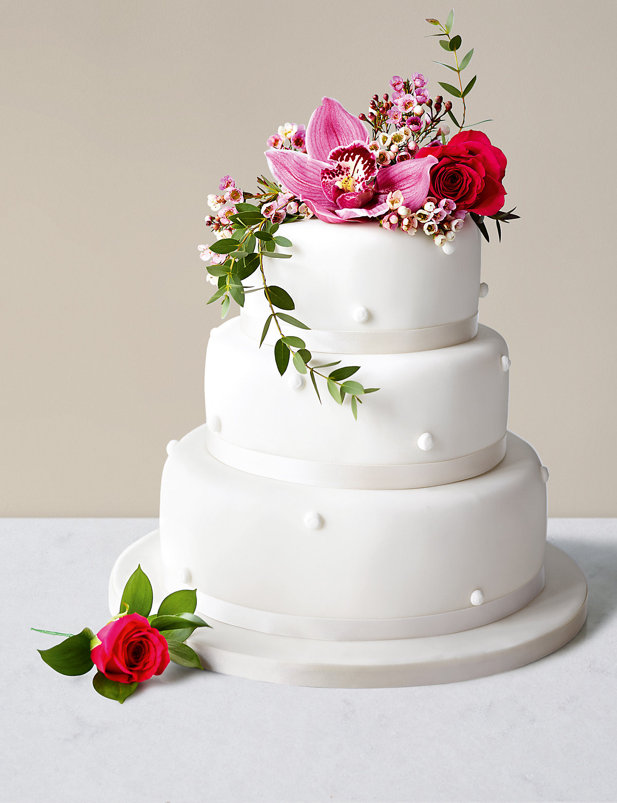 Romantic Pearl Assorted Wedding Cake (White icing)