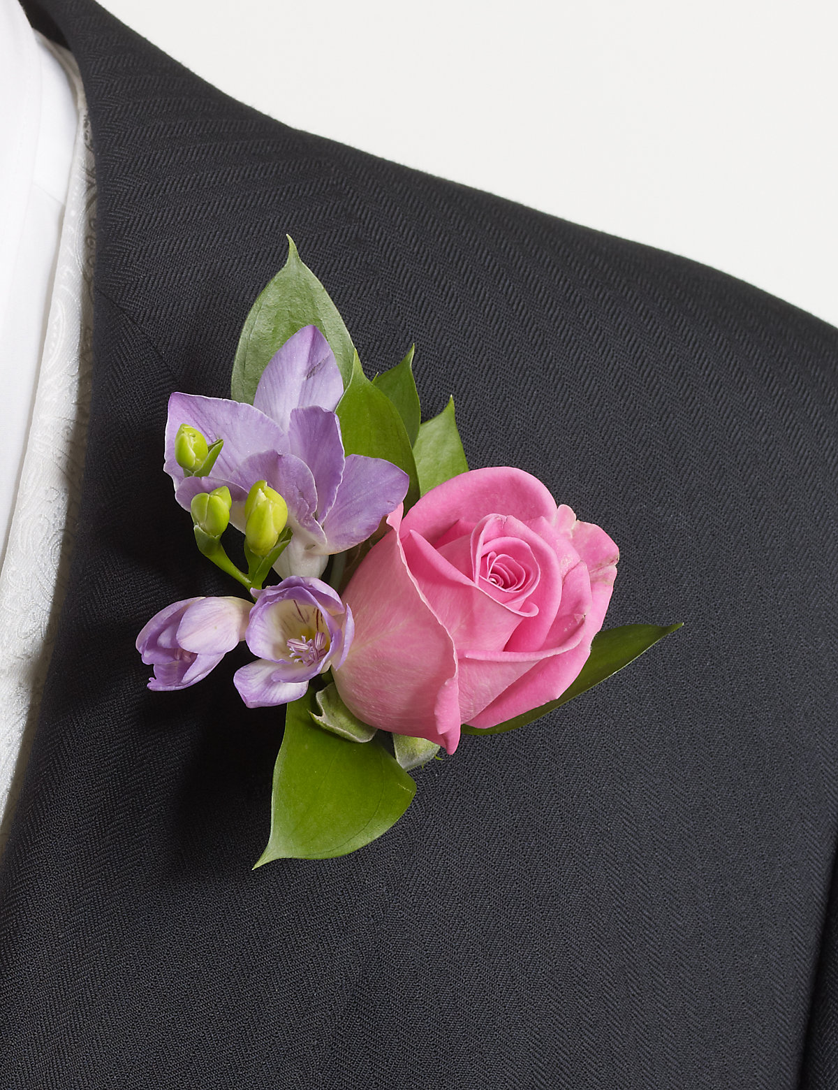Image of 1 Groom and 3 Guest Buttonholes