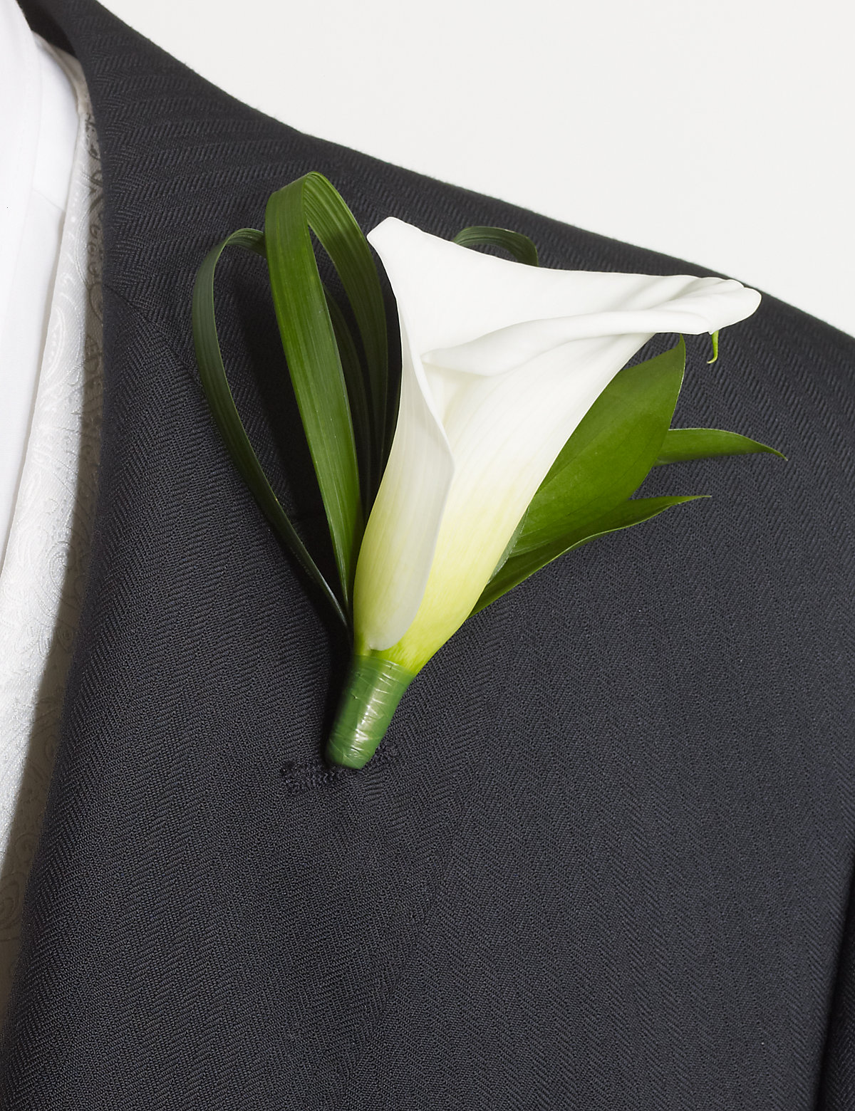 1 Groom and 3 Guest Buttonholes