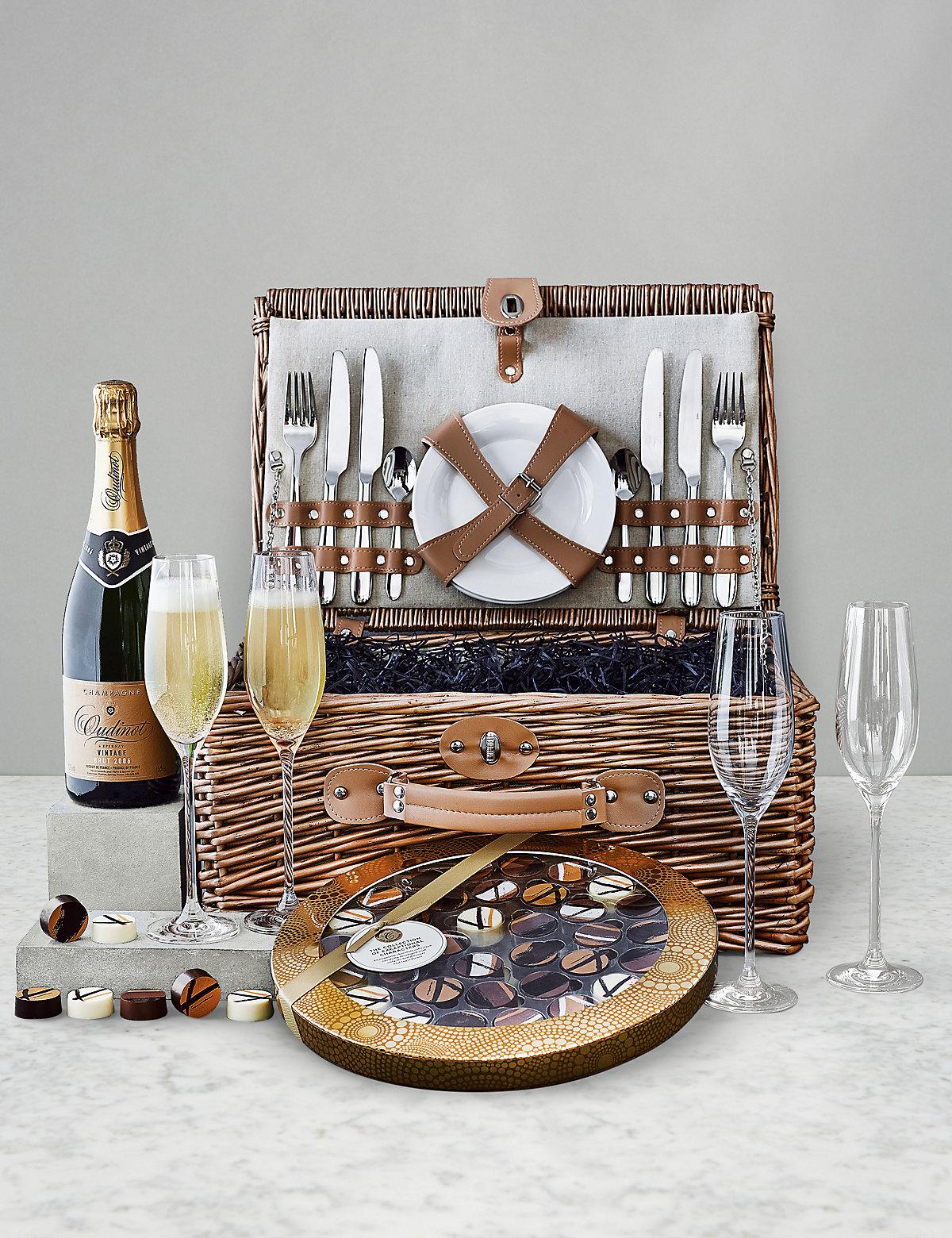 Luxurious Champagne Hamper