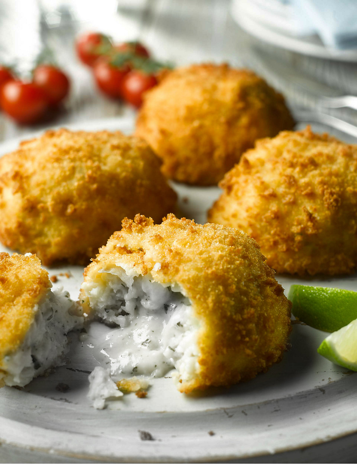 ... Marks and Spencer | 4 Melting Middle Cod Fish Cake with Parsley Sauce