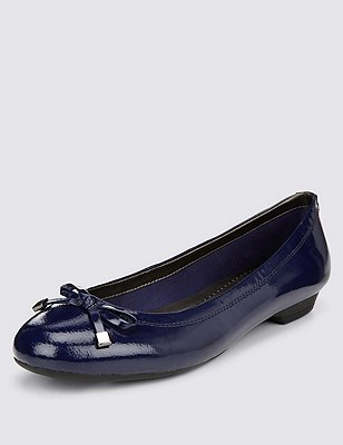 Freshfeet™ Leather Wide Fit Flat Bow Pumps with Insolia Flex®, NAVY, catlanding
