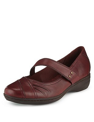 Leather Wide Fit Flat Casual Dolly Court Shoes, RED, catlanding