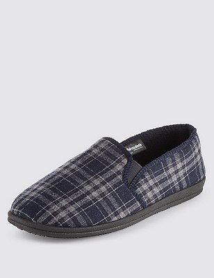 Freshfeet™ Slip-On Checked Slippers with Thinsulate™, NAVY, catlanding