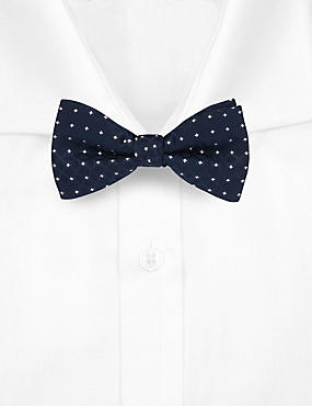 Spotted Textured Bow Tie, NAVY, catlanding