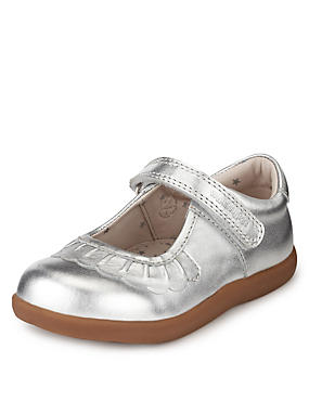 Walkmates Leather Cross Bar Shoes (Younger Girls)