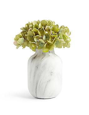 Fleurs d'hortensia disposées dans un vase marbré, , catlanding