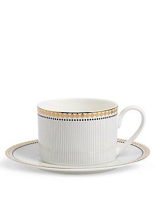 Nouveau Cup & Saucer, , catlanding
