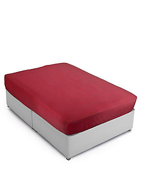Cotton Rich Percale Fitted Sheet, REDCURRANT, catlanding