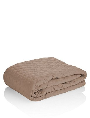 Diamond Quilted Throw, TAUPE, catlanding