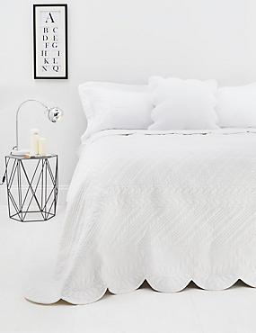 Trapunto Bedspread, WHITE, catlanding