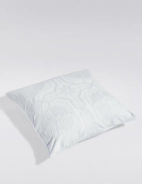 2 Felicity Matelassé Square Pillowcases, PEARL GREY, catlanding