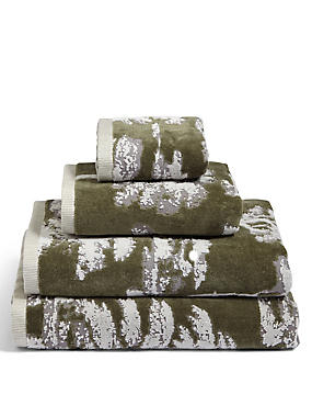 Tree Jacquard Towel, GREEN MIX, catlanding