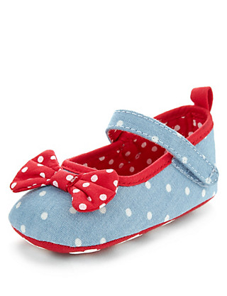 Spotted Bow Ballet Pram Shoes (Younger Girls) Clothing