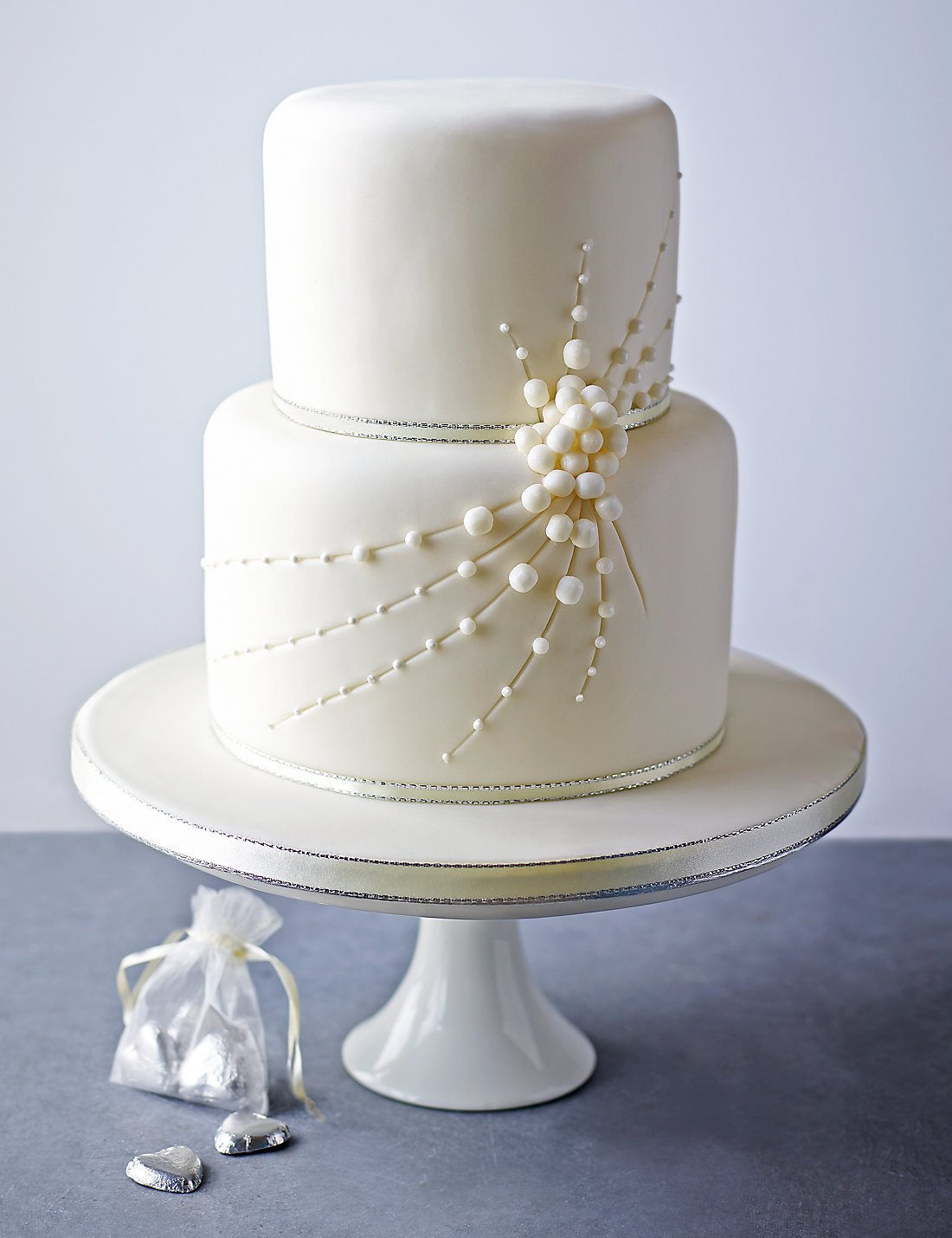 Contemporary Marks Wedding Cake Ensign - The Wedding Ideas ...