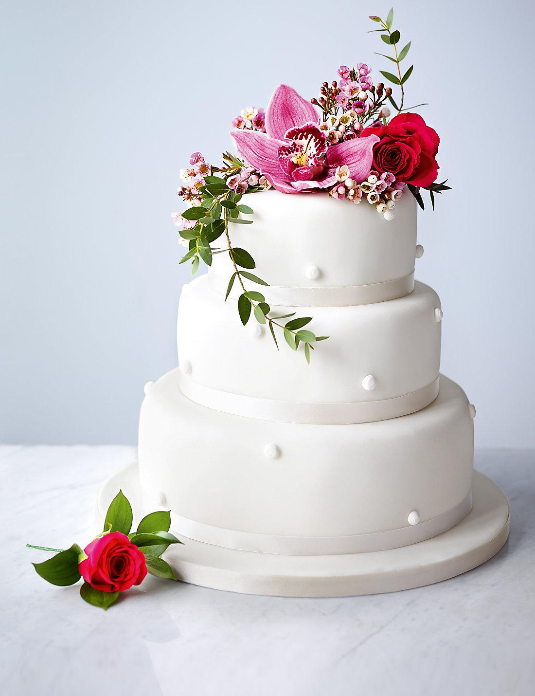 Romantic Pearl Chocolate Wedding Cake White Icing