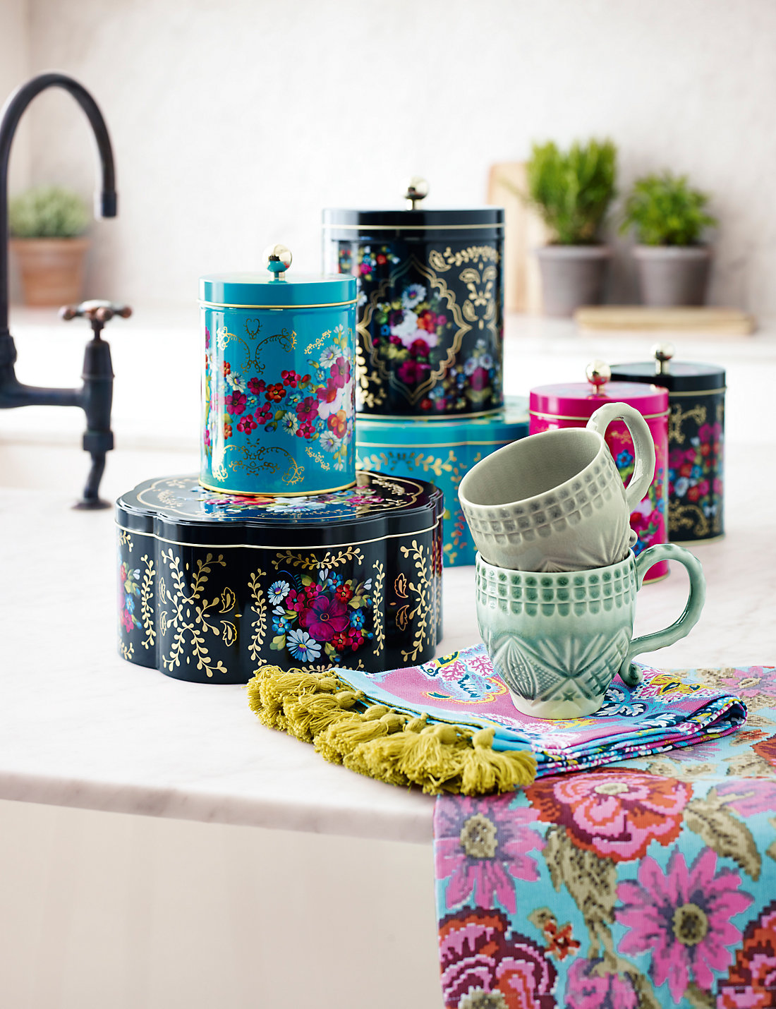 Bohemian Floral Biscuit Tin