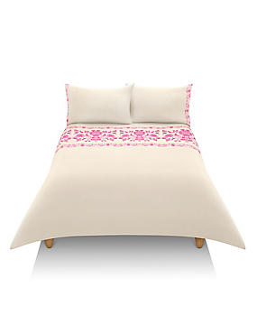 Floral Flock Embroidery Bedding Set, BRIGHT PINK, catlanding