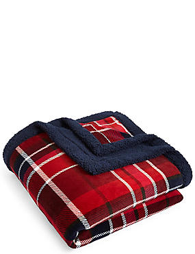 Tartan Check Fleece Throw, , catlanding