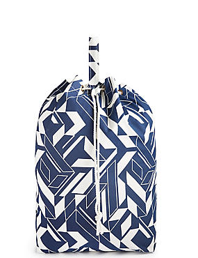 Geometric Print Laundry Bag, , catlanding