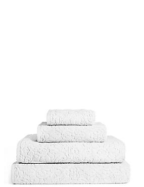 Plush Floral Towel, WHITE, catlanding