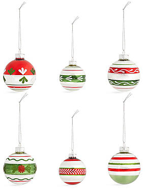 Set of 12 Luxury Winterberry Glass Baubles, , catlanding