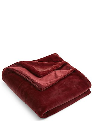 So Soft Faux Fur Small Throw, BERRY RED, catlanding