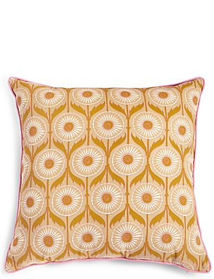 Daisy Geometric Cushion, , catlanding