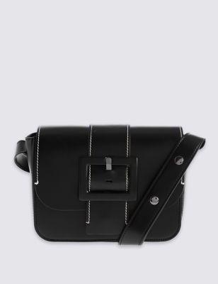 Сумка через плечо с декоративной пряжкой и контрастной строчкой от Marks & Spencer