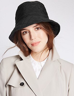 Stud Hat with Stormwear™, BLACK, catlanding