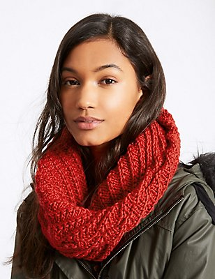 Textured Snood Scarf , RED, catlanding