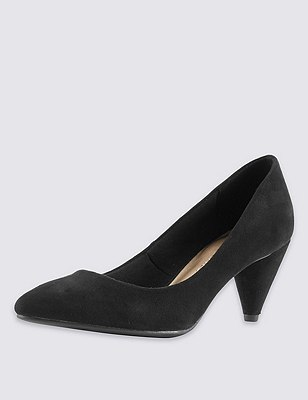 Pointed Toe Court Shoes with Insolia®, BLACK, catlanding