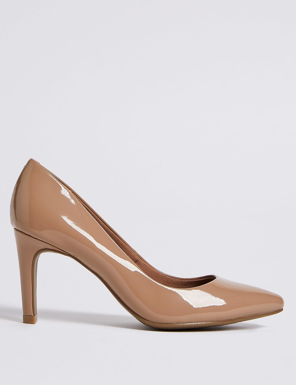 Туфли-лодочки лакированные, на невысоком каблуке, бежевые