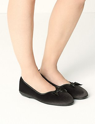 Pull-on V-Throat Bow Ballerina Slippers, CHARCOAL, catlanding