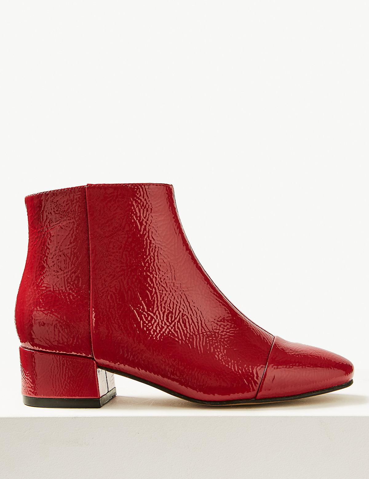 Ботинки по щиколотку на каблуке