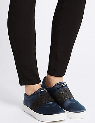 Toggle Slip-on Trainers, NAVY, catlanding