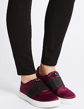 Toggle Slip-on Trainers, BERRY, catlanding