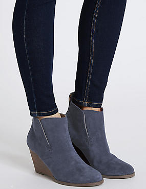 Wedge Heel Ankle Boots with Insolia®, NAVY, catlanding