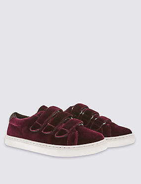 Velvet Riptape Trainer with Insolia Flex™, CRANBERRY, catlanding