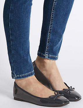 Bow Pump Shoes, NAVY, catlanding